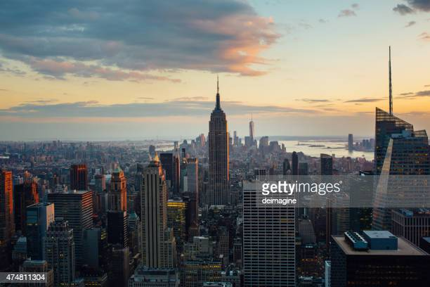 Manhattan di New York-Vista aerea al crepuscolo