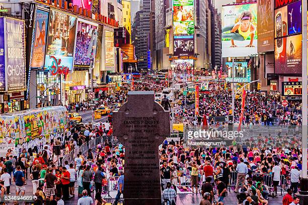 Manhattan, people at Times Square