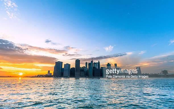 Manhattan skyline view from Brooklyn Bridge Park