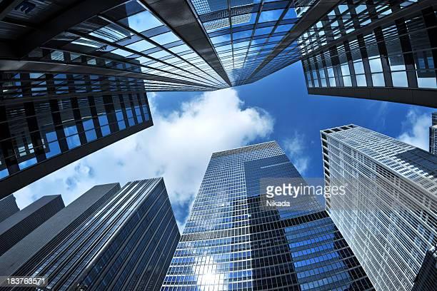 Manhattan Wolkenkratzer von unten