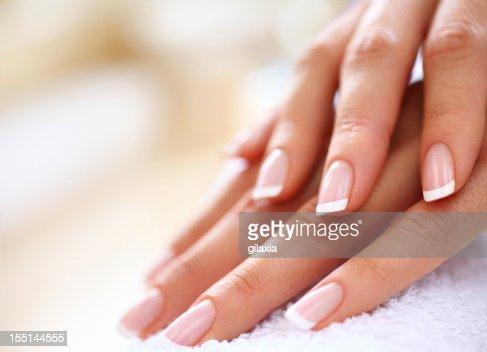 Manicure.