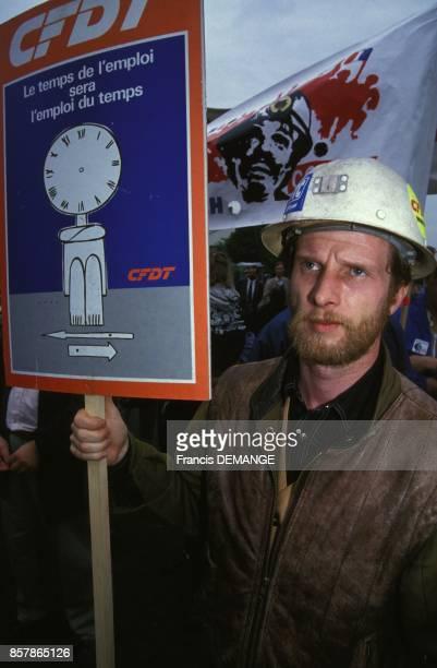 Manifestation du personnel de l'entreprise Gooding contre 212 licenciements le 14 mai 1994 a Creutzwald France