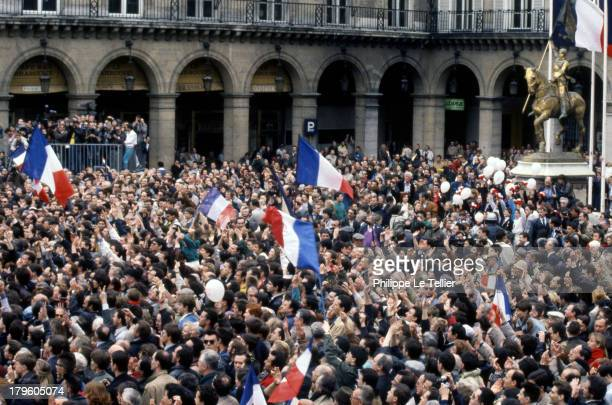 Manifestation of Le Pen and National Front before the statue of Jeanne d'Arc in Paris Manifestation du Front National et lepeniste devant la statue...