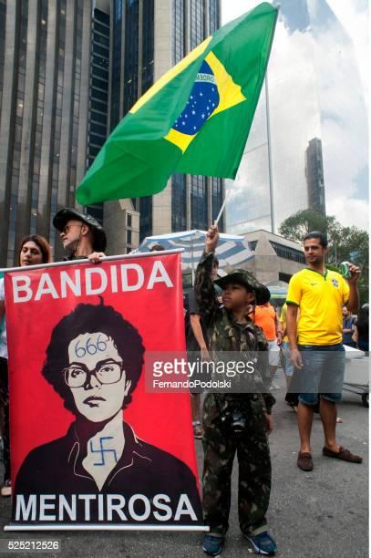 Manifestazione paramilitari in Brasile
