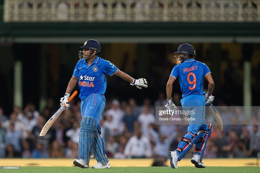 Cricket - Victoria Bitter ODI Match - Australia vs. India : News Photo