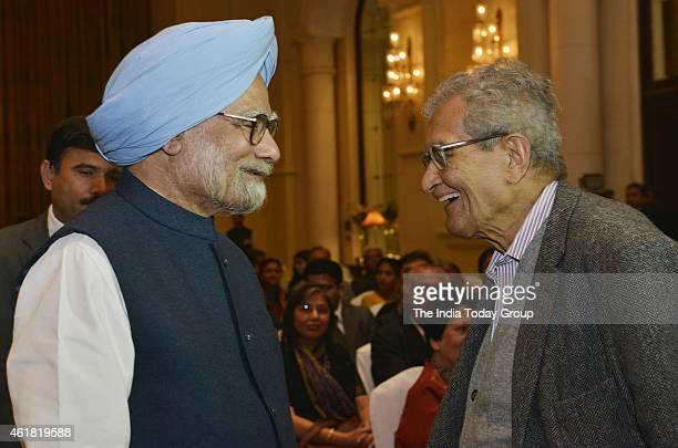 Manmohan Singh and Amartya Sen at his launch of a series of books in New Delhi