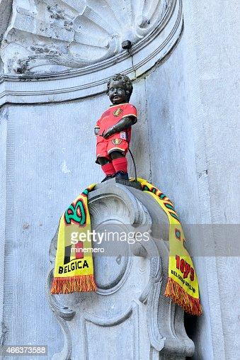 Mannekin pis with Belgium uniform