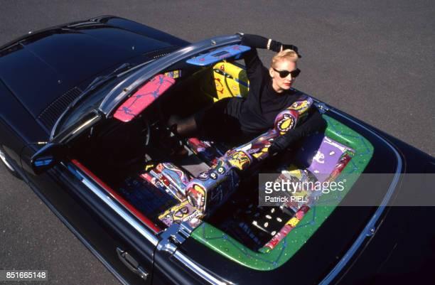 Mannequin dans un cabriolet 420 SL Mercedes le 26 mai 1988 Allemagne