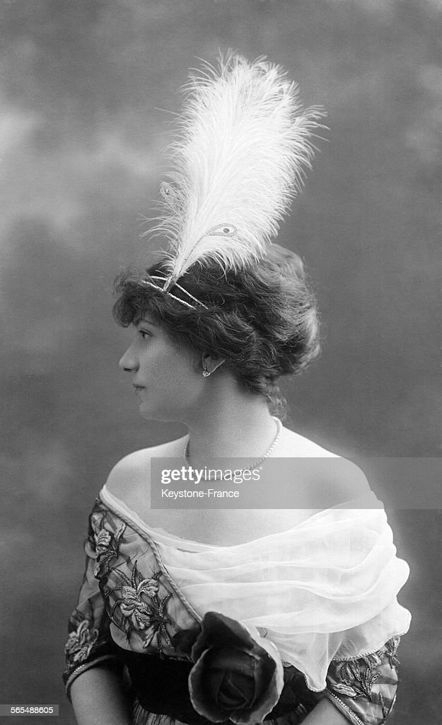 Mode 1900 Pictures | Getty Images