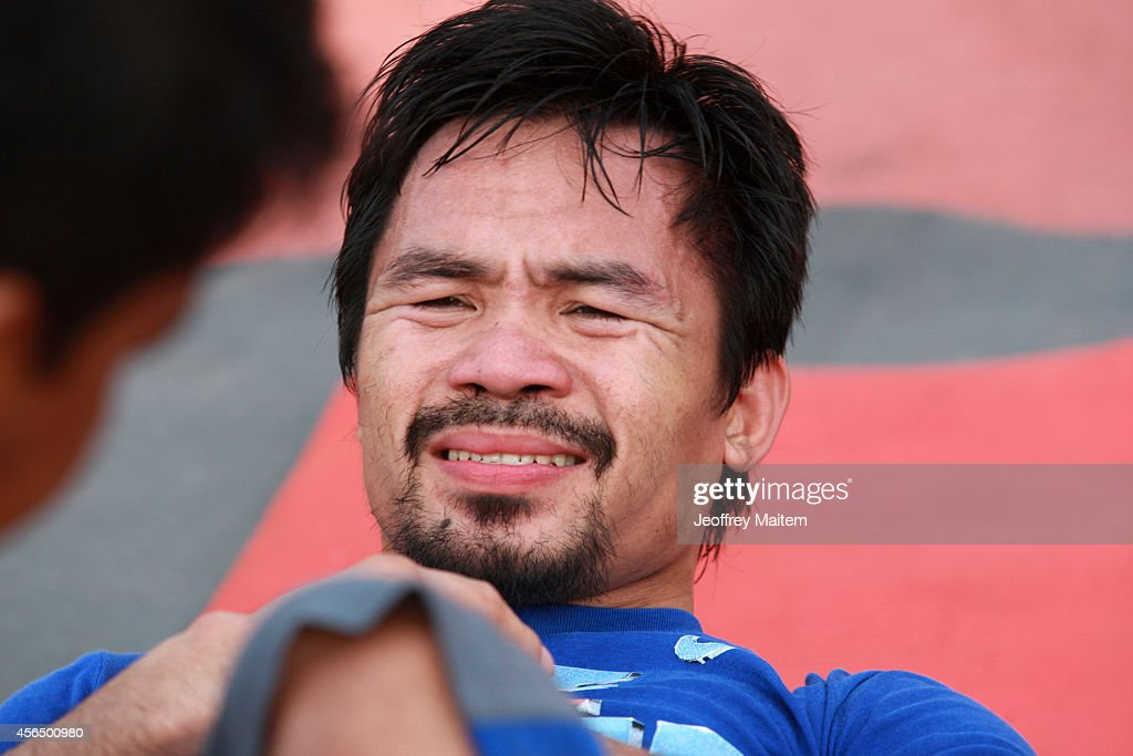 Manny Pacquiao trains at Pedro Antonio Acharon Sports Complex on October 2, 2014 in General - manny-pacquiao-trains-at-pedro-antonio-acharon-sports-complex-on-2-picture-id456500980