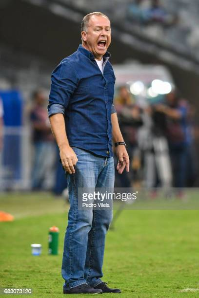 Mano Menezes coach of Cruzeiro during a match between Cruzeiro and Sao Paulo as part of Brasileirao Series A 2017 at Mineirao stadium on May 14 2017...