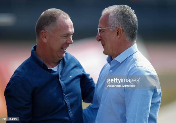 Mano Menezes head coach of Cruzeiro and Dorival Junior head coach of Sao Paulo talk before the match between Sao Paulo and Cruzeiro for the...