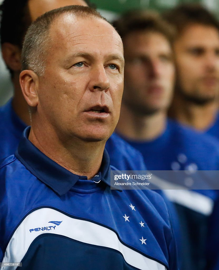 Mano Menezes, head coach of Cruzeiro in action during the match between Palmeiras and Cruzeiro for the Brazilian Series A 2015 at Allianz Parque stadium on November 21 , 2015 in Sao Paulo, Brazil.