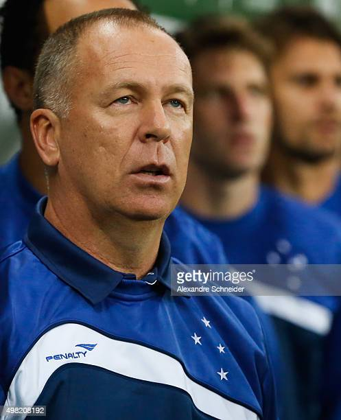 Mano Menezes head coach of Cruzeiro in action during the match between Palmeiras and Cruzeiro for the Brazilian Series A 2015 at Allianz Parque...