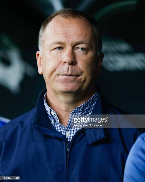 Mano Menezes head coach of Cruzeiro in action during the match between Corinthians and Cruzeiro for the Brasileirao Series A 2017 at Arena...