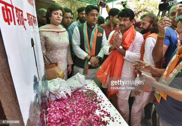 Manoj Tiwari pays tribute to CRPF jawans martyred in Sukma at Delhi Pant Marg BJP Office on April 26 2017 in New Delhi India It's a third term...