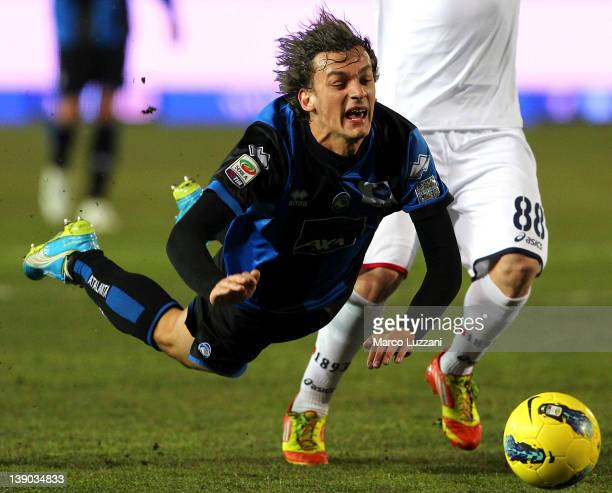 Manolo Gabbiadini of Atalanta BC in action during the Serie A match between Atalanta BC and Genoa CFC at Stadio Atleti Azzurri d'Italia on February...