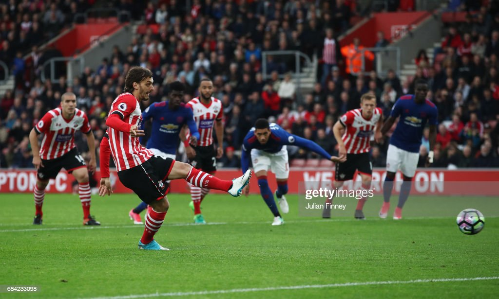 Manolo Gabbiadini of Southampton misses a penalty during the Premier League match between Southampton and Manchester United at St Mary's Stadium on May 17, 2017 in Southampton, England.