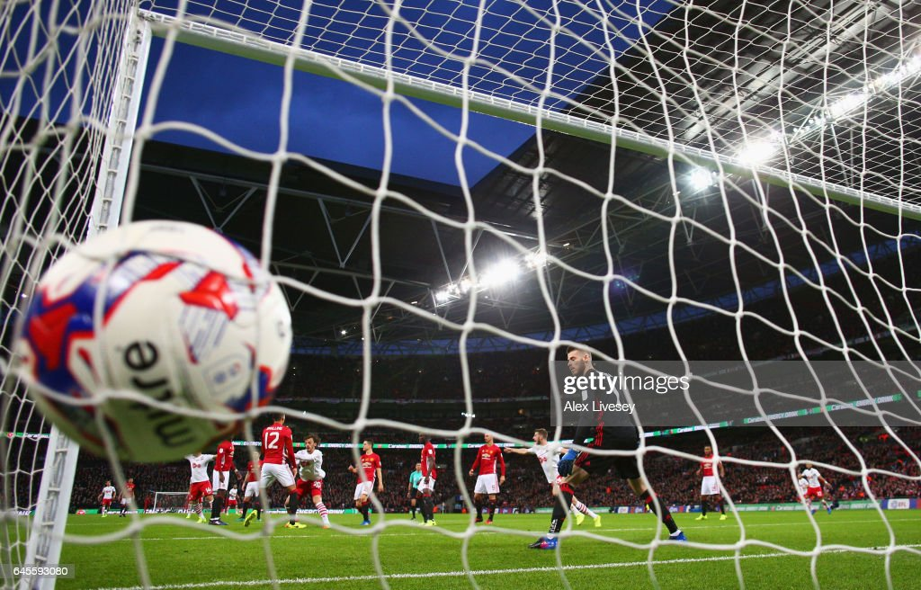 Manolo Gabbiadini of Southampton scores their second goal past goalkeeper David De Gea of Manchester United during the EFL Cup Final match between Manchester United and Southampton at Wembley Stadium on February 26, 2017 in London, England.