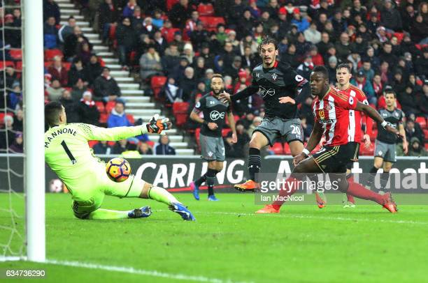 Manolo Gabbiadini of Southhampton scores his second goal of the game during the Premier League match between Sunderland and Southampton at Stadium of...