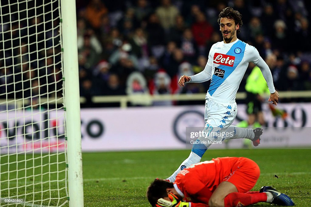 Manolo Gabbiadini of SSC Napoli celebrates after scoring a goal during the Serie A match between ACF Fiorentina and SSC Napoli at Stadio Artemio Franchi on December 22, 2016 in Florence, Italy.