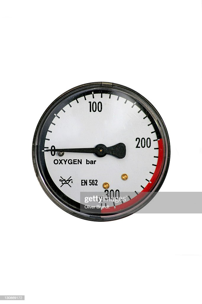 gas manometer. manometer, pressure gauge on an oxygen gas cylinder, cut out : stock photo manometer s