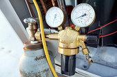 Manometers High-pressure nitrogen test freon installation