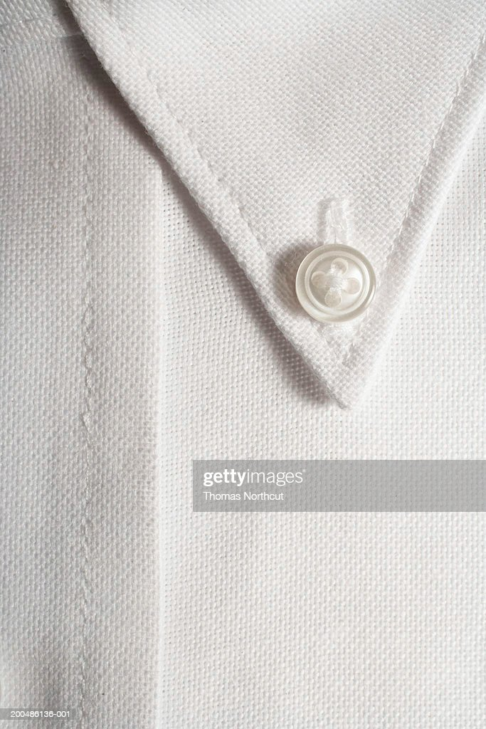 how to close last button on dress shirt