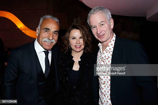 Mansour Bahrami Patty Smyth and John McEnroe attend the Trophy of the Legends Perrier Party at Pavillon Vendome on June 1 2016 in Paris France