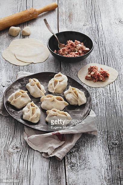 Manti dumplings cooking