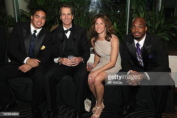 Manti Te'o Cris Collinsworth Suzy Kolber and Adrian Peterson attend the 76th Annual Maxwell Football Club Awards Dinner March 1 2013 in Atlantic City...