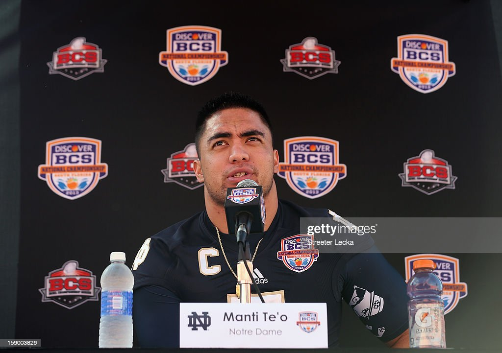 <a gi-track='captionPersonalityLinkClicked' href=/galleries/search?phrase=Manti+Te%27o&family=editorial&specificpeople=5654571 ng-click='$event.stopPropagation()'>Manti Te'o</a> #5 of the Notre Dame Fighting Irish speaks to the media during Media Day ahead of the Discover BCS National Championship at Sun Life Stadium on January 5, 2013 in Miami Gardens, Florida.