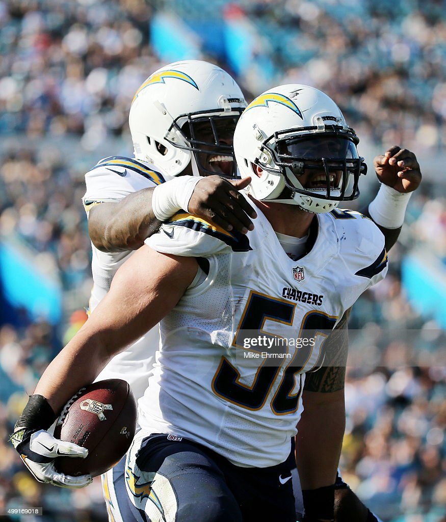 <a gi-track='captionPersonalityLinkClicked' href=/galleries/search?phrase=Manti+Te%27o&family=editorial&specificpeople=5654571 ng-click='$event.stopPropagation()'>Manti Te'o</a> #50 of the San Diego Chargers celebrates with teammates after a touchdown against the Jacksonville Jaguars in the second quarter at EverBank Field on November 29, 2015 in Jacksonville, Florida.