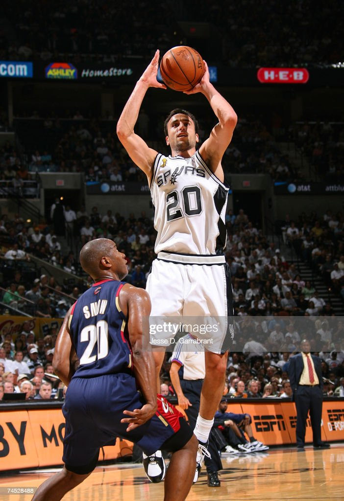 Manu Ginobili #20 of the San Antonio Spurs attempts a shot against Eric Snow #20 of the Cleveland Cavaliers in Game Two of the NBA Finals at the AT&T Center on June 10, 2007 in San Antonio, Texas.