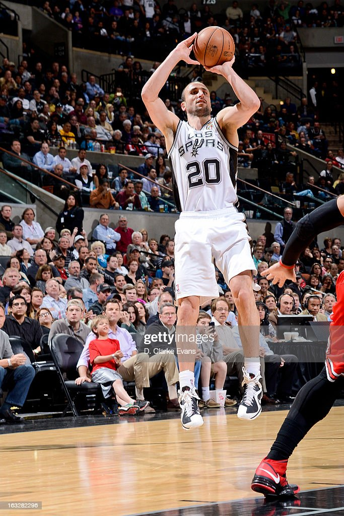 Manu Ginobili #20 of the San Antonio Spurs shoots against the Chicago Bulls on March 6, 2013 at the AT&T Center in San Antonio, Texas.
