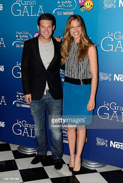 Manu Tenorio and Martina Klein attend a photocall for the 'A Gusto Con La Vida' Gala held at the Teatre Liceu on April 19 2012 in Barcelona Spain