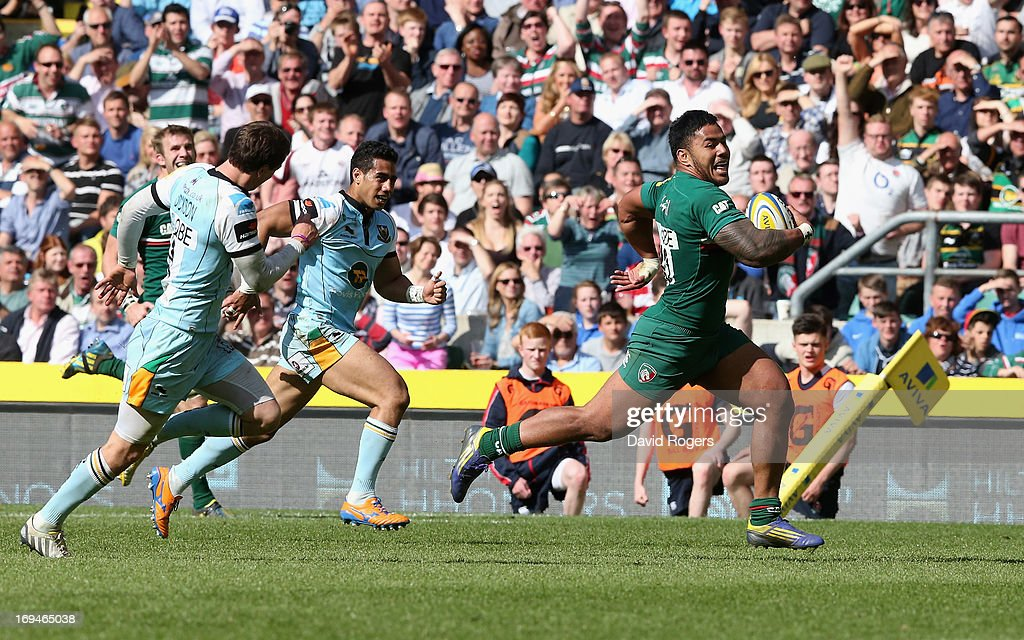 Manu Tuilagi of Leicester breaks clear to score a try during the Aviva Premiership Final between Leicester Tigers and Northampton Saints at...