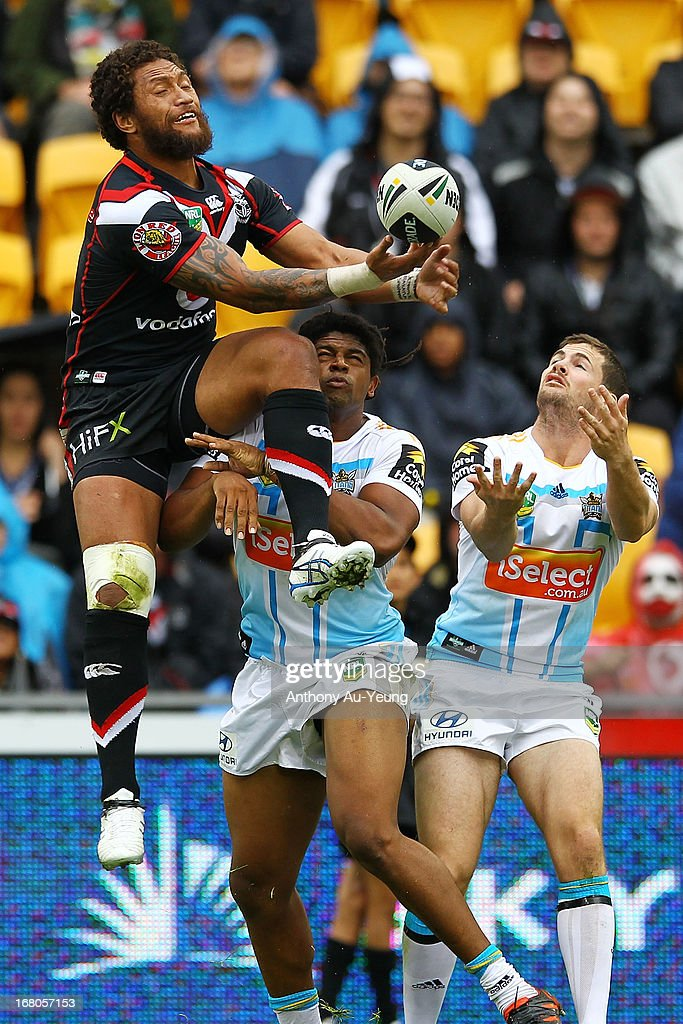 Manu Vatuvei of the Warriors catches the high ball to setup a try in the first half during the round eight NRL match between the New Zealand Warriors and the Gold Coast Titans at Mt Smart Stadium on May 5, 2013 in Auckland, New Zealand.