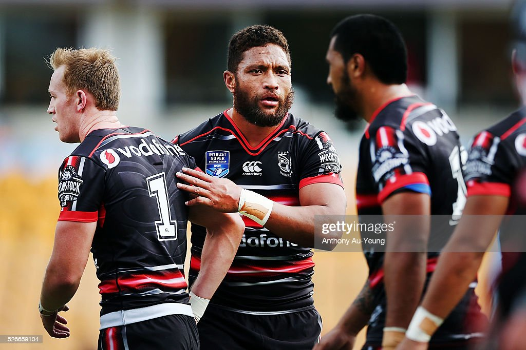Manu Vatuvei of the Warriors interacts with his teammates during the round nine NSW Intrust Super Cup Premiership match between the New Zealand Warriors and the Canterbury Bankstown Bulldogs at Mt Smart Stadium on May 1, 2016 in Auckland, New Zealand.
