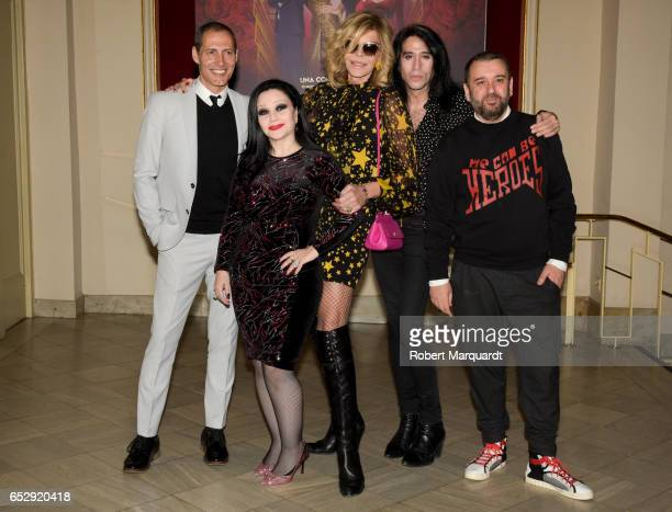 Manuel Bandera Alaska Bibiana Fernandez Mario Vaquerizo and director Felix Sabroso pose during a photocall for their latest theater production 'El...