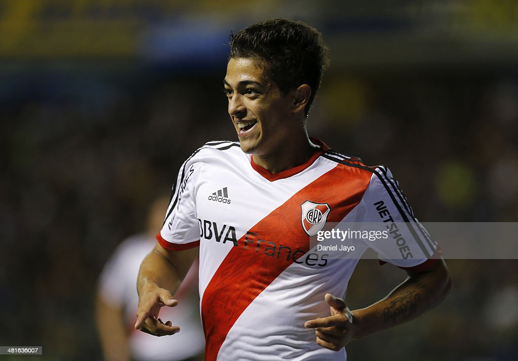 <a gi-track='captionPersonalityLinkClicked' href=/galleries/search?phrase=Manuel+Lanzini&family=editorial&specificpeople=7150862 ng-click='$event.stopPropagation()'>Manuel Lanzini</a> of River Plate celebrates after scoring during a match between Boca Juniors and River Plate as part of 10th round of Torneo Final 2014 at Alberto J. Armando Stadium on March 30, 2014 in Buenos Aires, Argentina.