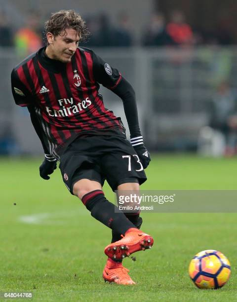 Manuel Locatelli of AC Milan in action during the Serie A match between AC Milan and AC ChievoVerona at Stadio Giuseppe Meazza on March 4 2017 in...
