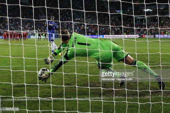 Manuel Neuer keeper of Bayern Muenchen saves the last penalty by Romelu Lukaku of Chealse during the UEFA Super Cup between FC Bayern Muenchen and...