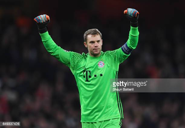 Manuel Neuer of Bayern Muenchen celebrates during the UEFA Champions League Round of 16 second leg match between Arsenal FC and FC Bayern Muenchen at...