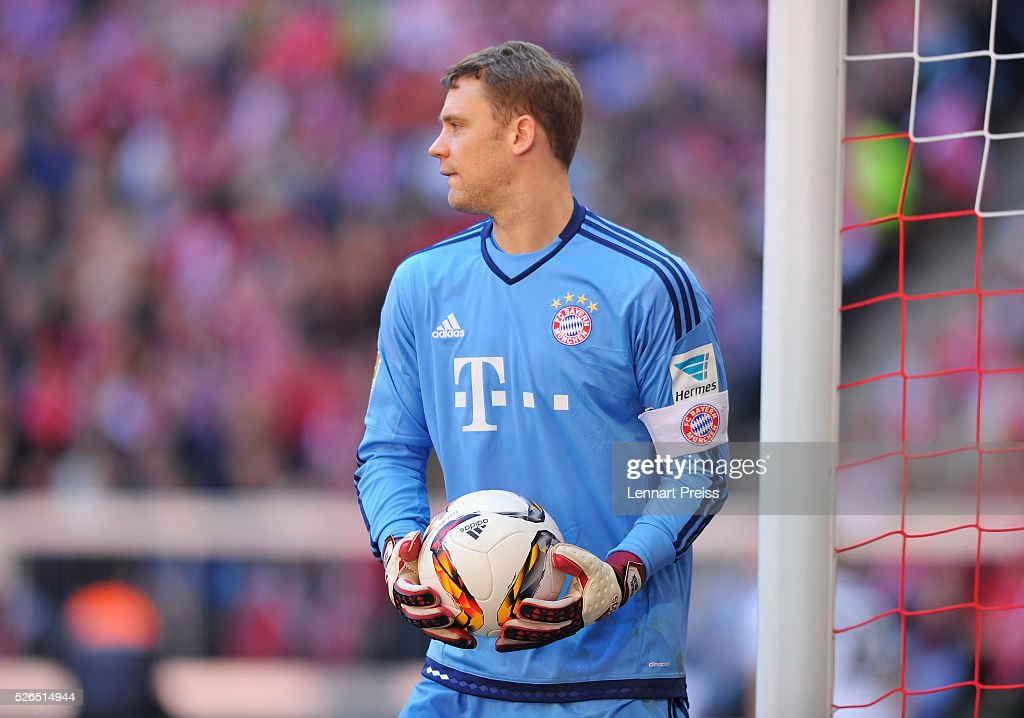 Manuel Neuer of Bayern Muenchen in action during the Bundesliga match between Bayern Muenchen and Borussia Moenchengladbach at Allianz Arena on April 30, 2016 in Munich, Germany.