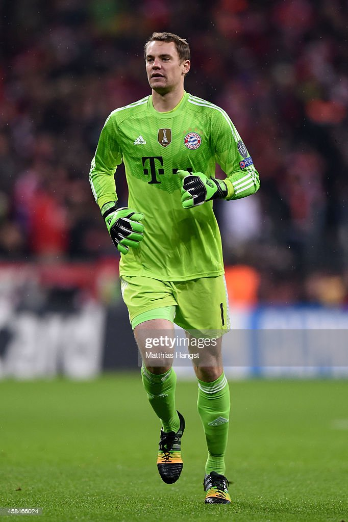 <a gi-track='captionPersonalityLinkClicked' href=/galleries/search?phrase=Manuel+Neuer&family=editorial&specificpeople=764621 ng-click='$event.stopPropagation()'>Manuel Neuer</a> of Bayern Muenchen in action during the UEFA Champions League Group E match between FC Bayern Munchen and AS Roma at Allianz Arena on November 5, 2014 in Munich, Germany.