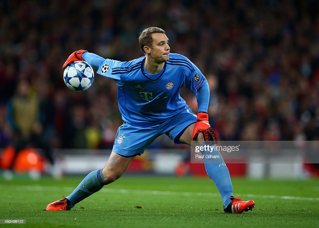 <a gi-track='captionPersonalityLinkClicked' href=/galleries/search?phrase=Manuel+Neuer&family=editorial&specificpeople=764621 ng-click='$event.stopPropagation()'>Manuel Neuer</a> of Bayern Munich dispatches the ball during the UEFA Champions League Group F match between Arsenal FC and FC Bayern Munchen at Emirates Stadium on October 20, 2015 in London, United Kingdom.