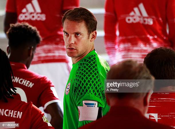 Manuel Neuer of Bayern Munich prepares himself in the tunnel before the Bundesliga match between Bayern Muenchen and 1 FC Koeln at Allianz Arena on...