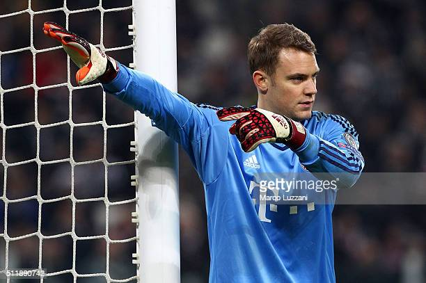 Manuel Neuer of FC Bayern Muenchen directs his defense during the UEFA Champions League Round of 16 first leg match between Juventus and FC Bayern...