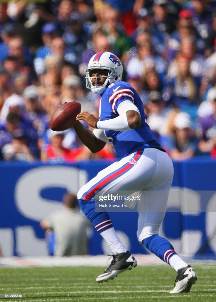 EJ Manuel #3 of the Buffalo Bills readies to pass against the Baltimore Ravens at Ralph Wilson Stadium on September 29, 2013 in Orchard Park, New York.Buffalo won 23-20.